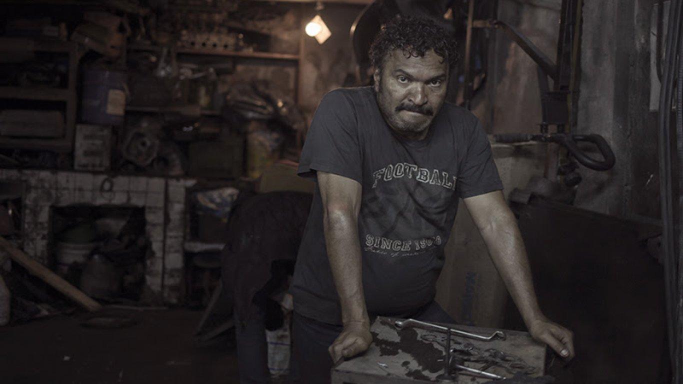 Don Hernando es interpretado por Diego Vásquez