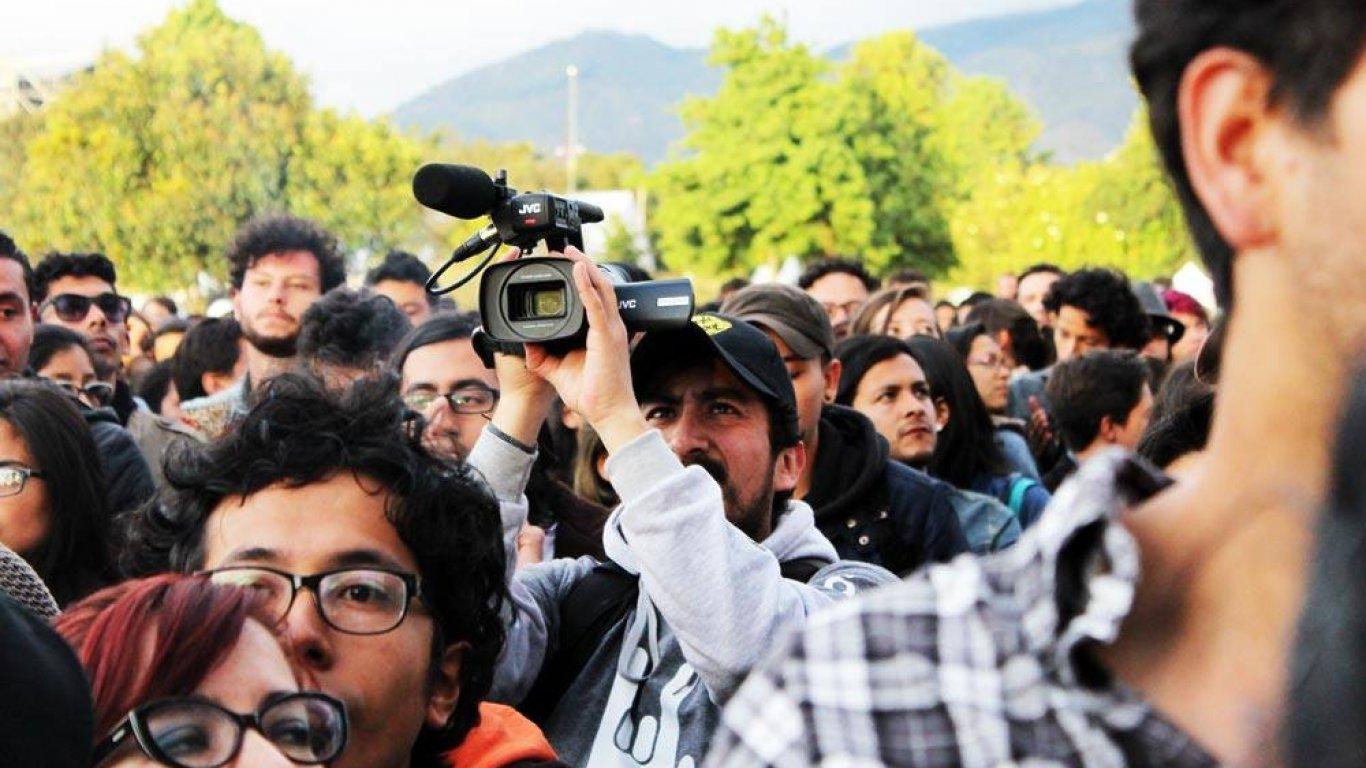 Óscar Romero 'Rosco', nuestro realizador audiovisual, haciendo arte en Rock Al Parque 2014.