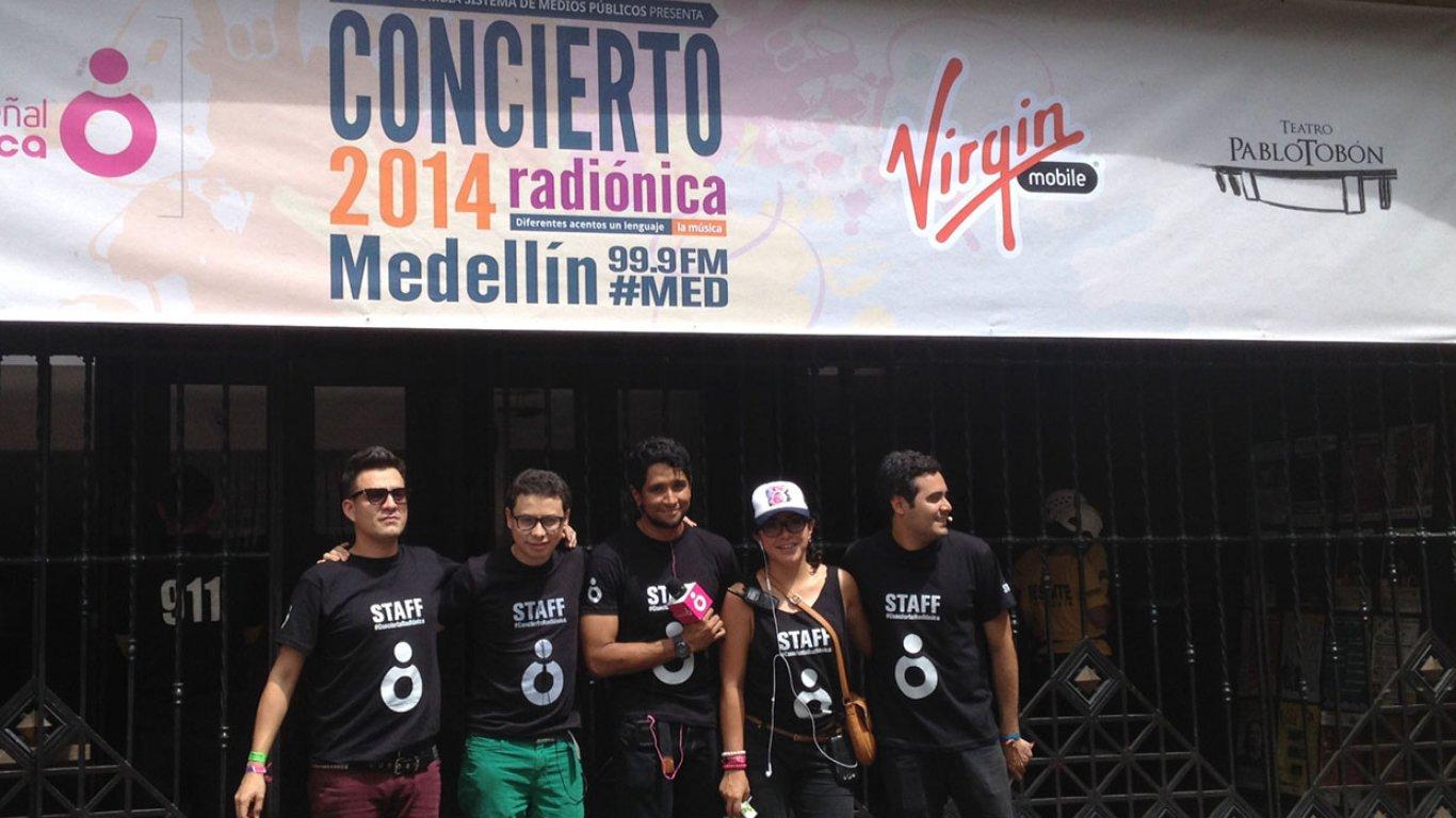 Equipo especial de transmisión y producción en el #ConciertoRadiónica2014 Medellín. 14 de septiembre de 2014.