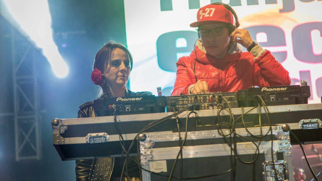 Bailamos y los acompañamos cada sábado en la Franja Electrónica Radiónica, ellos son Dahiana y Gonzalo Rodríguez