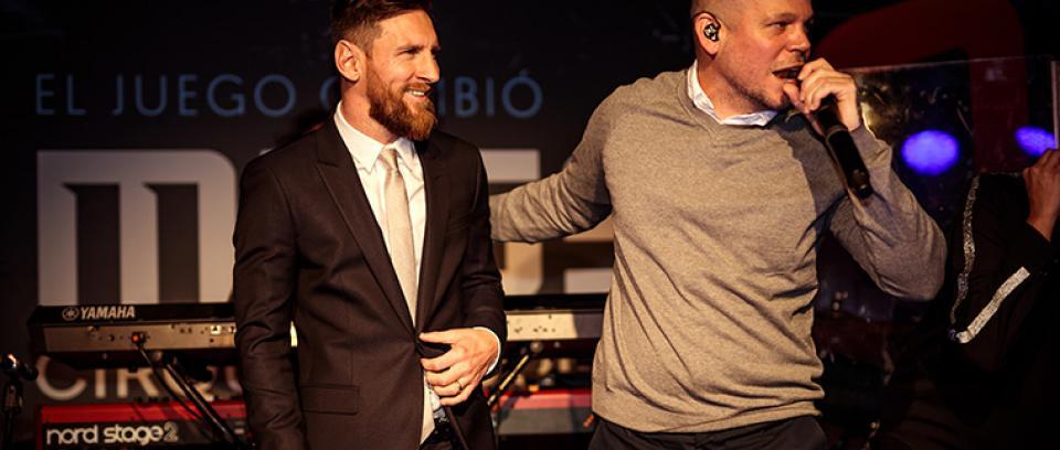 Messi y Residente, amigo personal del futbolista.