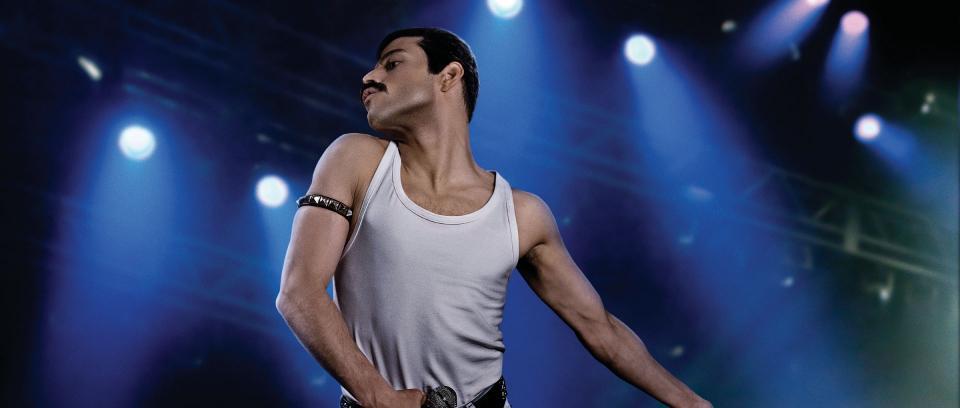 Rami Malek como Freddie Mercury. Imagen tomada de www.awardscircuit.com/