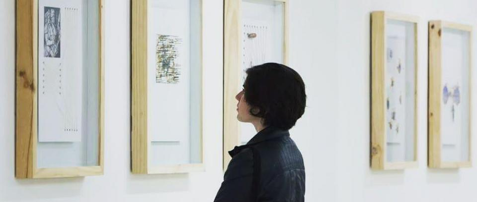 Exposición La Lámpara de Diógenes - Sergio Zapata. Tomada de Pinterest