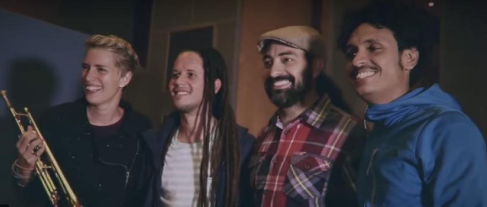 Imagen tomada de YouTube.