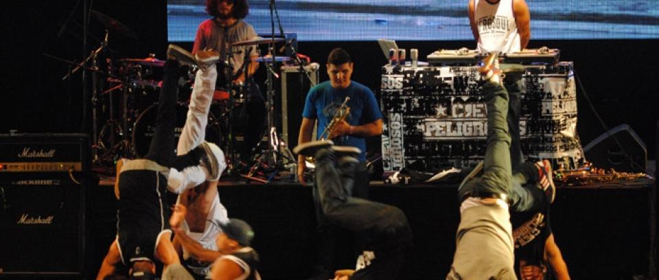Medellín rockeó, rapeó y saltó en el Concierto Radiónica 2013