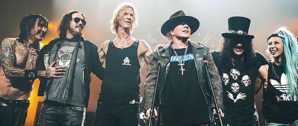 Miembros de Guns 'N' Roses, detenidos por posesión de armas