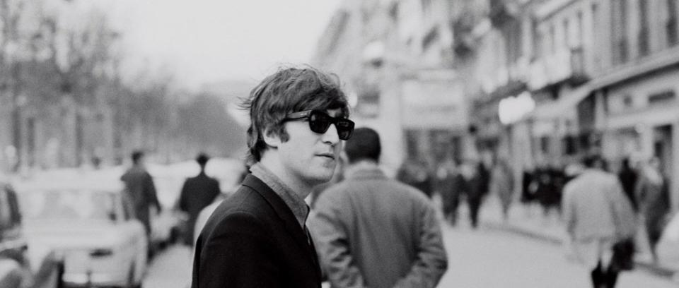 Camisa con sangre de Lennon fue vendida por 39 mil dólares