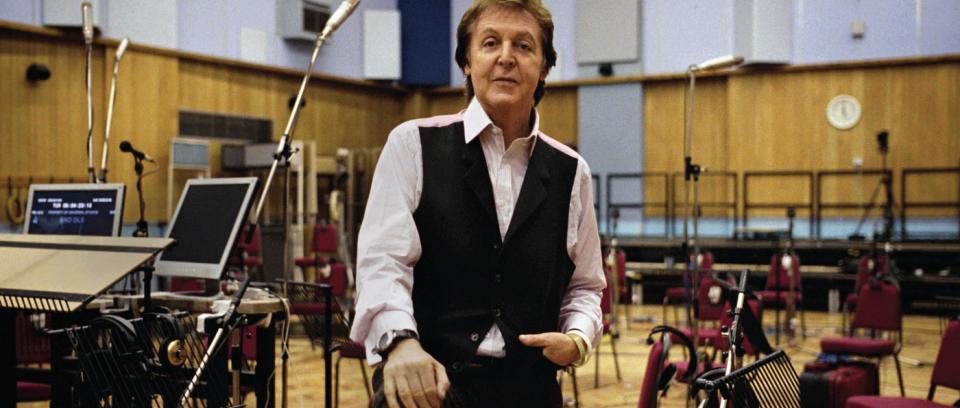 Paul McCartney compone música para emojis de Skype