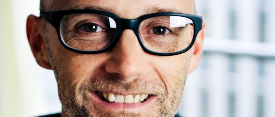 Moby comparte nuevas canciones para descarga gratuita