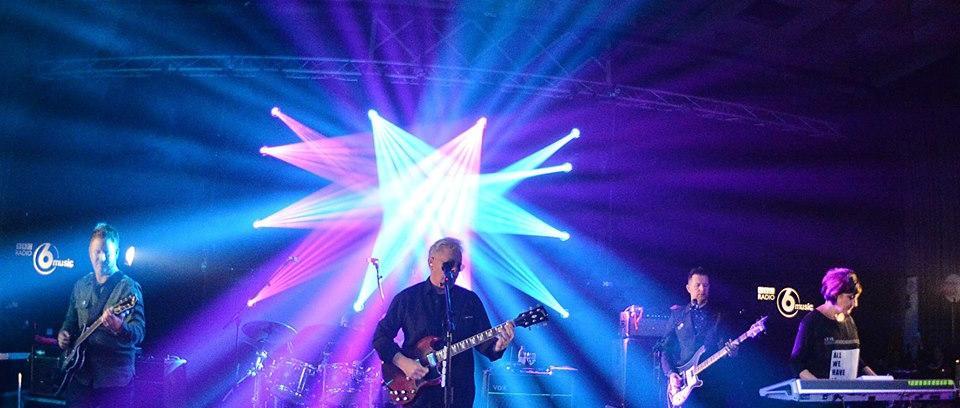 New Order en once (11) canciones