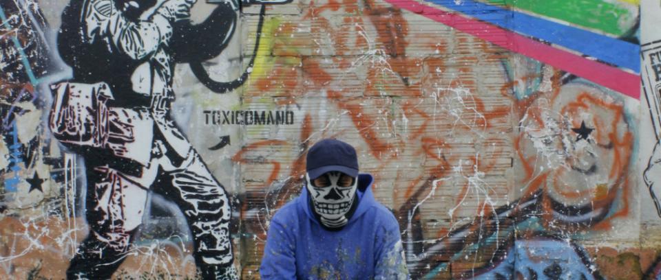Toxicómano: con el punk como influencia